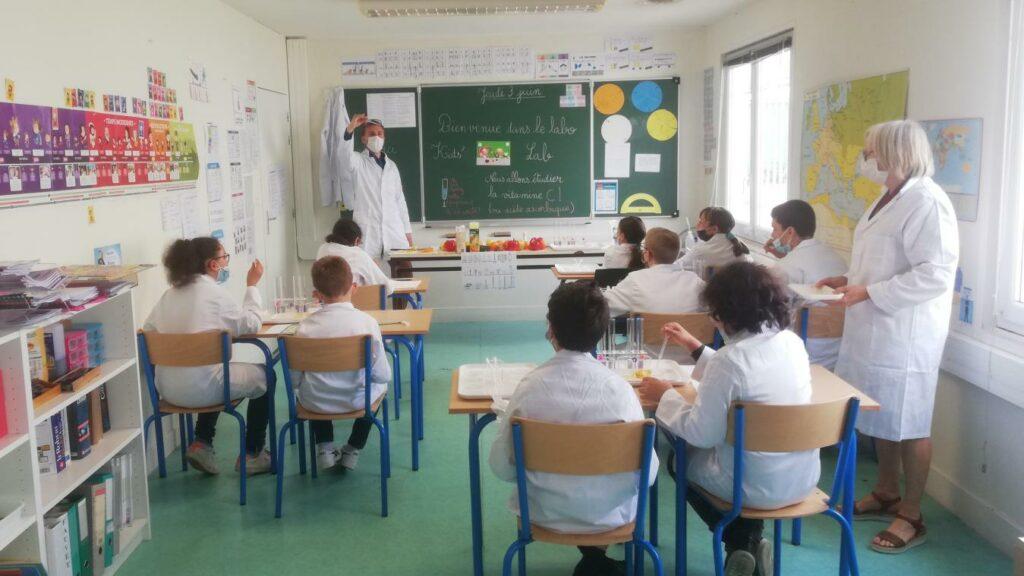 Les élèves du Cours La Traverse au lancement du Kid's Lab de BASF, le 03 juin 2021.